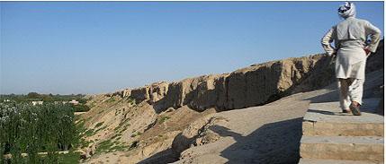 The ancient walls of Balkh (A.Azad, July 2009).